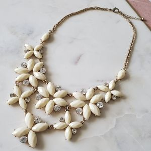 💥 4/$20 💥 Floral Statement Necklace